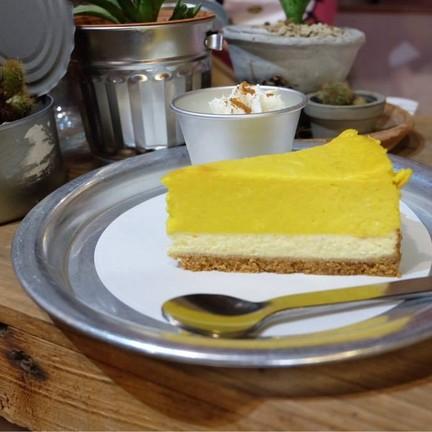 Yellow Pumpkin Cheesecake(95.-)