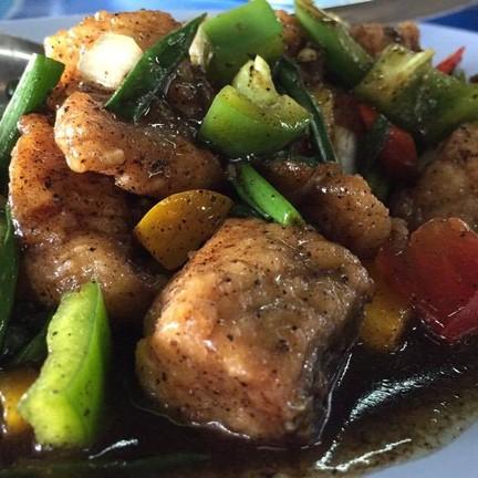 ปลากะพงผัดพริกไทดำ