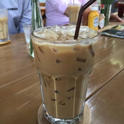 Brown café
