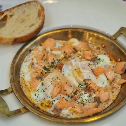 ไข่ซูซ่า add salmon topping