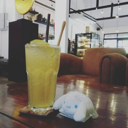 Honey lemon with cinnamoroll พาม่อนมาเที่ยวว