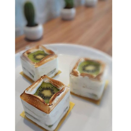 Creative flavors from fresh and healthy kiwi