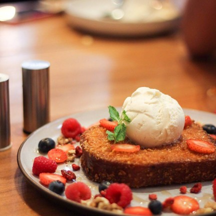 Crispy French Toast (280THB)
