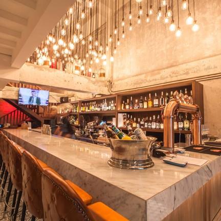 Charm Eatery and Bar สาธร