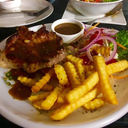 Montra House Bar & Restaurant