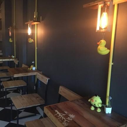 Modernducks Cafe เชิงทะเล