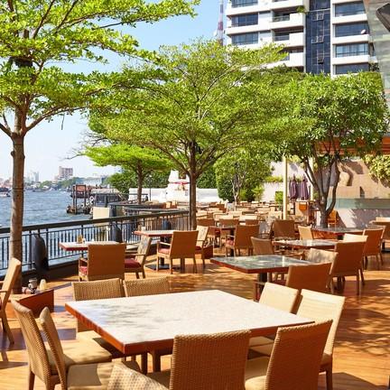 NEXT2 Café โรงแรมแชงกรี-ลา