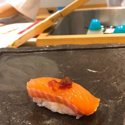 ปลาแซลมอนธรรมชาติ