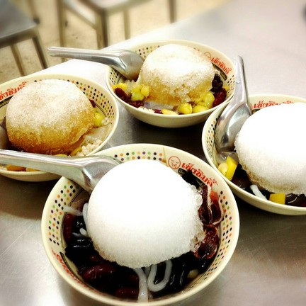 ร้านขนมหวานน้ำแข็งไสเช็งซิมอี๊เต้าทึง เสาชิงช้า