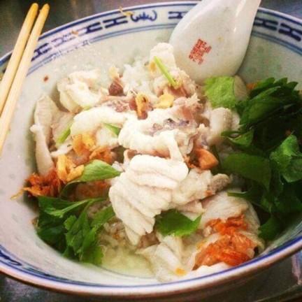 ข้าวต้มปลาห้าแยกพลับพลาไชย khao tompla ห้าแยกพลับพลาไชย