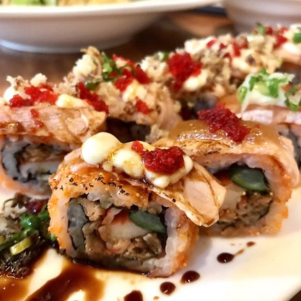 Salmon Mix Roll