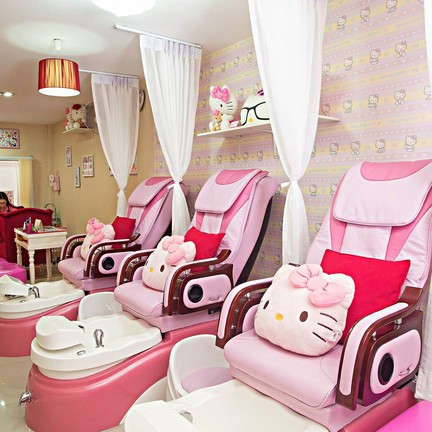 Beyond Nail Spa & Cafe