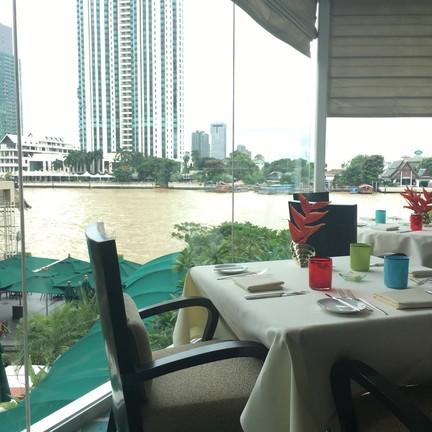 Lord Jims Restaurant โรงแรมโอเรียนเต็ล