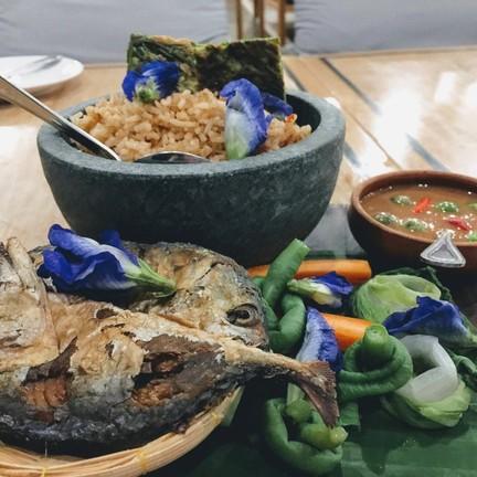 ปลาทูกินได้ทั้งตัว น้ำพริกรสชาติลงตัว อร่อยมากๆ