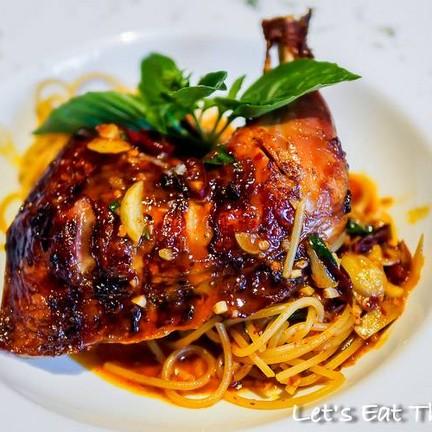 Spaghetti จิ้มแจ่วไก่ย่าง (280 บาท)