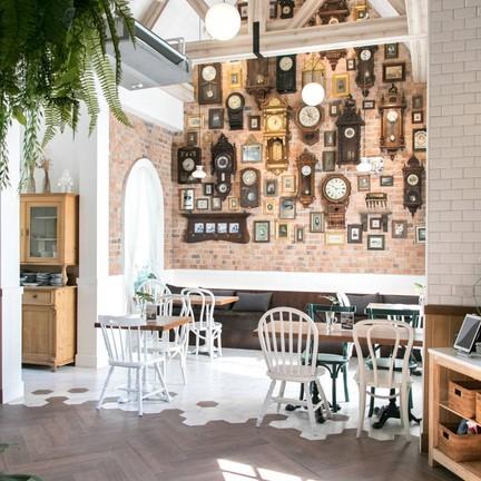 Daddy's Antique Cafe & Restaurant