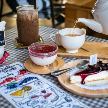 10 O' Clock Café