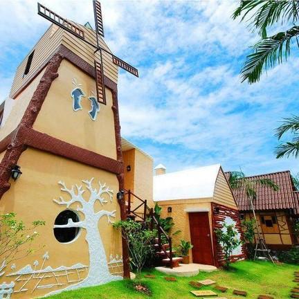 Boom Boom Resort Hotel