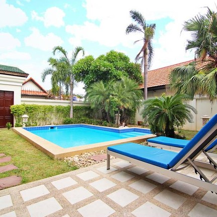 Thale Time Pool Villa