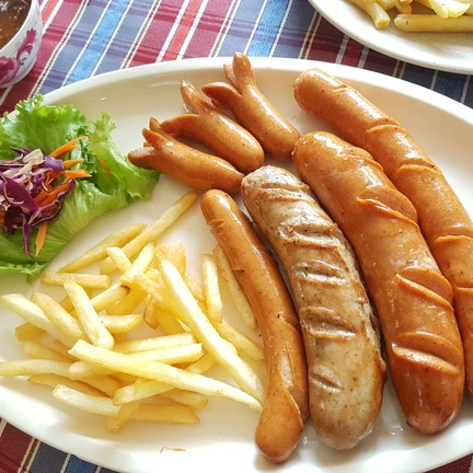 G&M German Sausage (ไส้กรอกเยอรมัน ขาหมูดอยสะเก็ด)