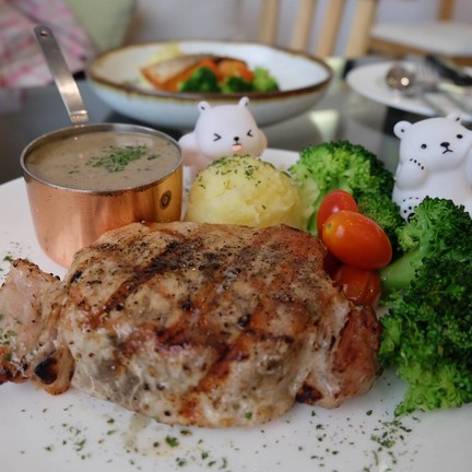 Grilled Pork au Poivre