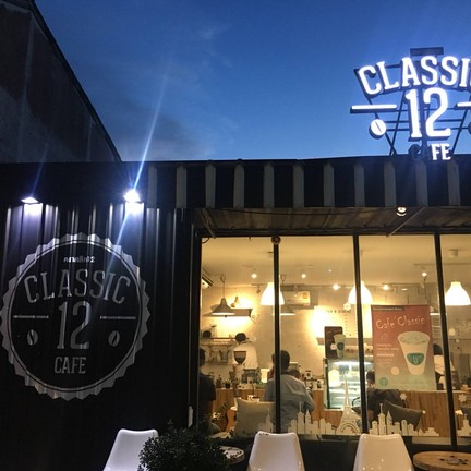 Classic12 Cafe