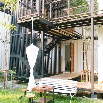 The Yard Hostel Bangkok