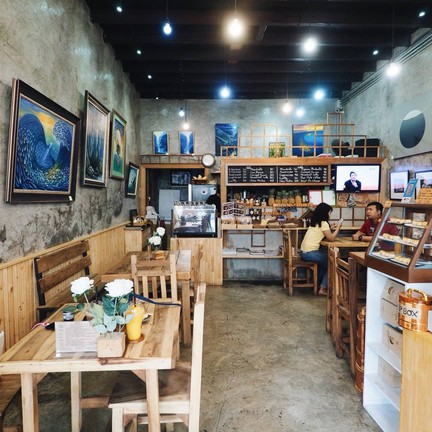 Chino Cafe Gallery