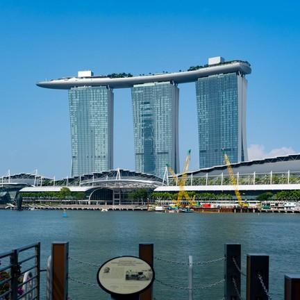 ถ่ายรูปอวดให้โลกรู้ว่านี่เราอยู่สิงคโปร์จริง ๆ นะ