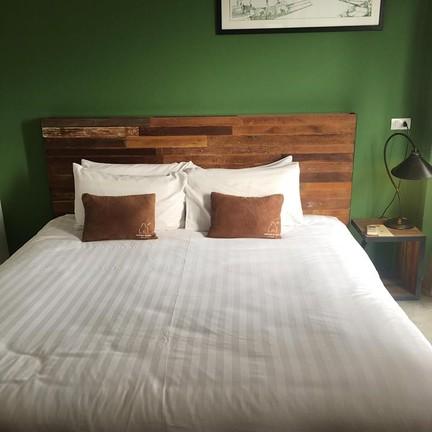 โรงแรมอัมพวาน่านอน