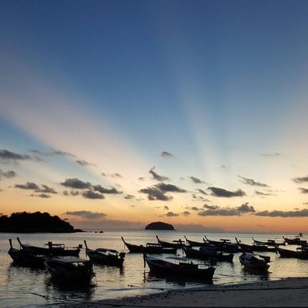 พระอาทิตย์ขึ้นก็จะงามเช่นนี้