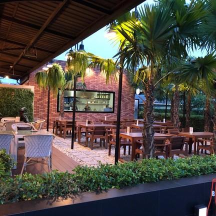 Hapa Bar&Restaurant