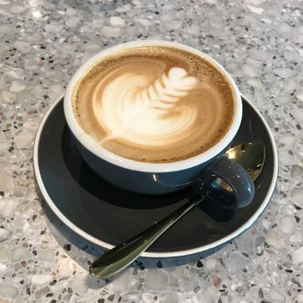 Wondering : Cafe' & Bakeshop