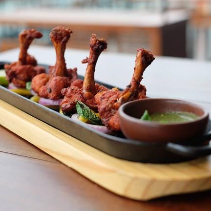 Boneless chicken wings with spicy Poruguese Piri Piri
