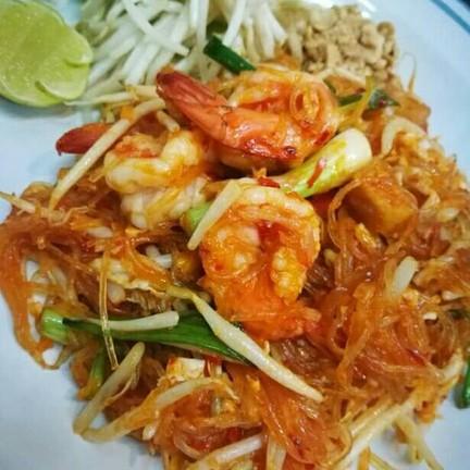 ผัดไทยไก่ , หมู  /  ทะเล( Pad Thai chicken , pork / Seafood ) 50.- / 60.-