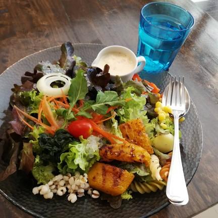 D Veggie Salad bar