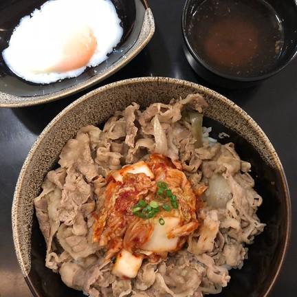 Kinniku Gyudon ข้าวหน้าเนื้อ/หมู 🎌 La Villa อารีย์