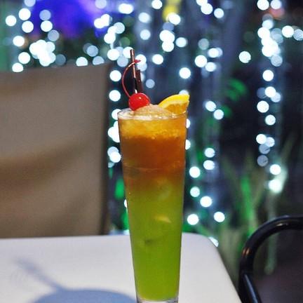 Xanadu Pub & Restaurant @Furama Hotel