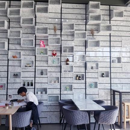 Sleepless Cafe'