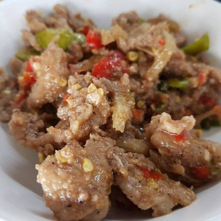 ผัดผักได้อร่อยเข้มข้น แต่อย่างที่บอกเนื้อหมูแข็งไปนิด สะตอน้อยไปหน่อย