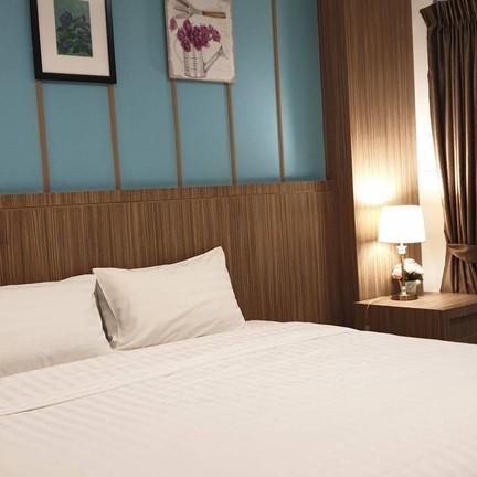 โรงแรมอัญชันลากูน่า