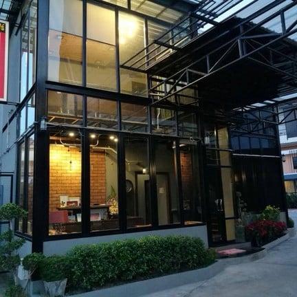 T4 Hotel Sisaket