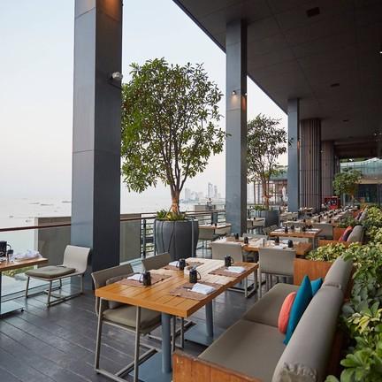 Edge Hilton Pattaya Hotel