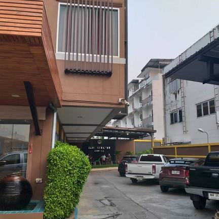 ภาพจาก : https://www.facebook.com/Berich-Hotel-1260814747267547/