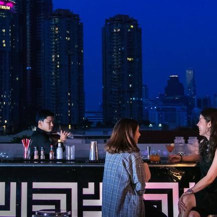 Top Knot Rooftop Bar & Restaurant
