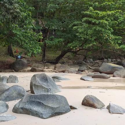 บริเวณชายหาด ทรายสะอาด สวย