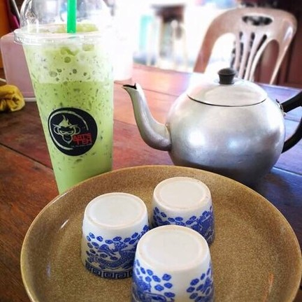 ชาลิง..ร้านน้ำชาโกอาร์ต