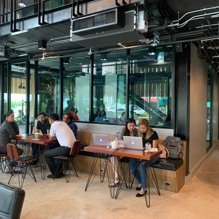 the hub cafe & co-working space