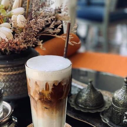 ขอขอบคุณรูปสวย ๆ จาก facebook page : the python cafe and eatery - เดอะไพธอน