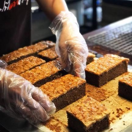 ขอขอบคุณรูปภาพสวย ๆ จาก facebook page : Toffee Cake Chonburi